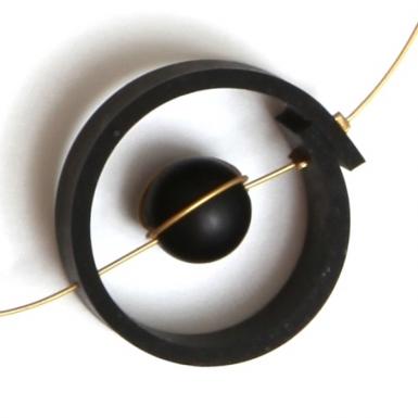 la-b-nucleus-necklace-detail